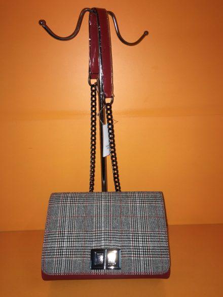 Црвена Карирана Ташна Модел 103 - Бутик Црвенкапа ! Најдобри ! Најевтини !