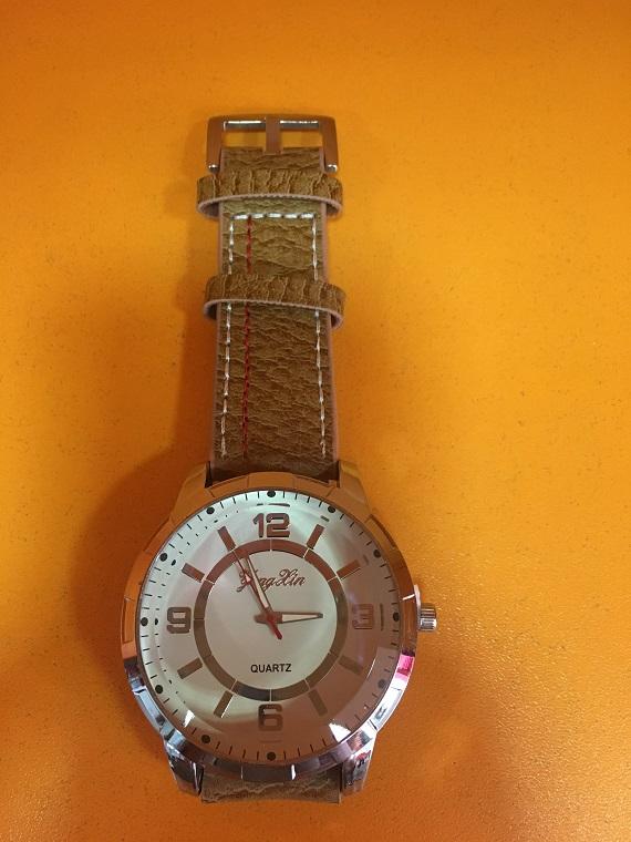 Часовник Модел 200103 - Бутик Црвенкапа ! Најдобри ! Најевтини !