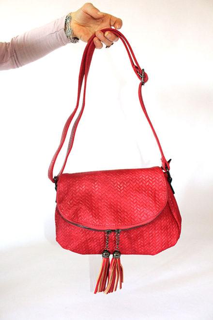 Црвена женска ташна со пуфки - Бутик Црвенкапа ! Најдобри ! Најевтини !