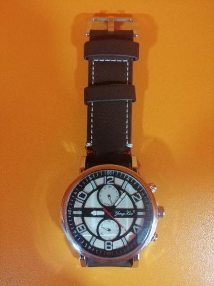 Часовник Модел 200112 - Бутик Црвенкапа ! Најдобри ! Најевтини !