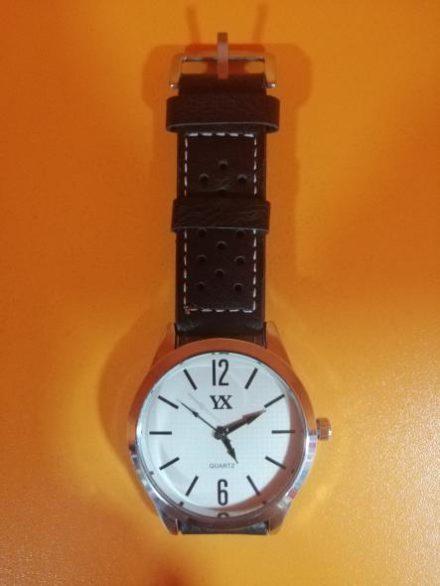 Часовник Модел 200110 - Бутик Црвенкапа ! Најдобри ! Најевтини !