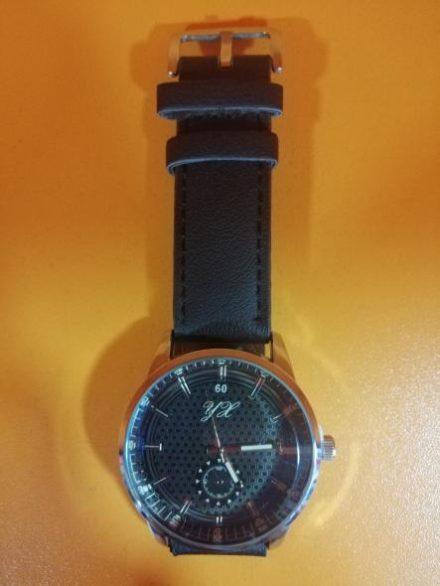 Часовник Модел 200109 - Бутик Црвенкапа ! Најдобри ! Најевтини !