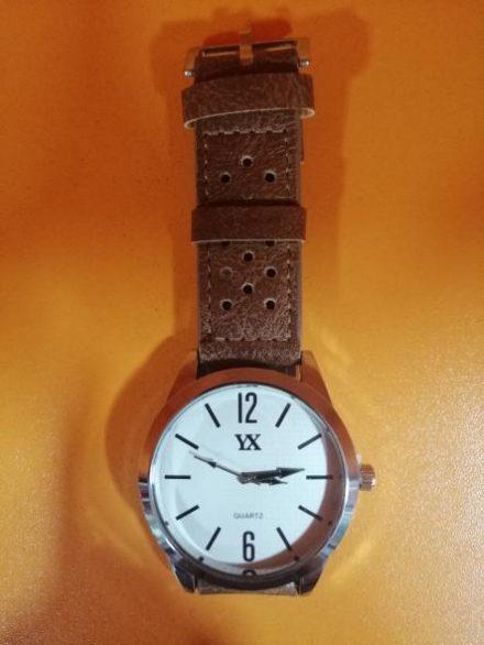 Часовник Модел 200108 - Бутик Црвенкапа ! Најдобри ! Најевтини !