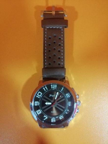 Часовник Модел 200107 - Бутик Црвенкапа ! Најдобри ! Најевтини !